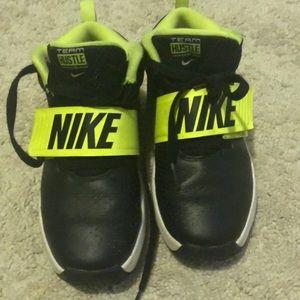 Kids used  Nike hustle hightop sneakers size 1.5